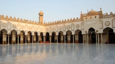 هل الإسلام دينٌ أو عقدةٌ نفسيٌّة ورثها المسلمون من محمّدٍ؟
